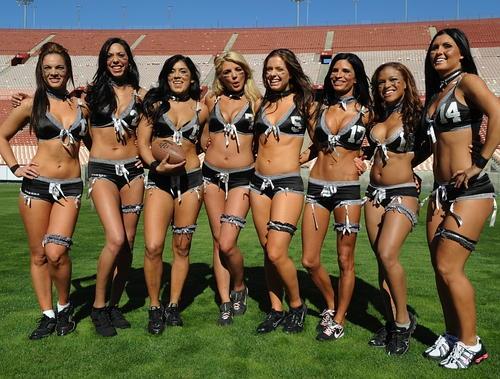 Le football US féminin : du plaisir pour les yeux
