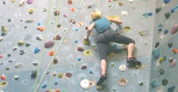 Pam Pam Girl tente l'escalade