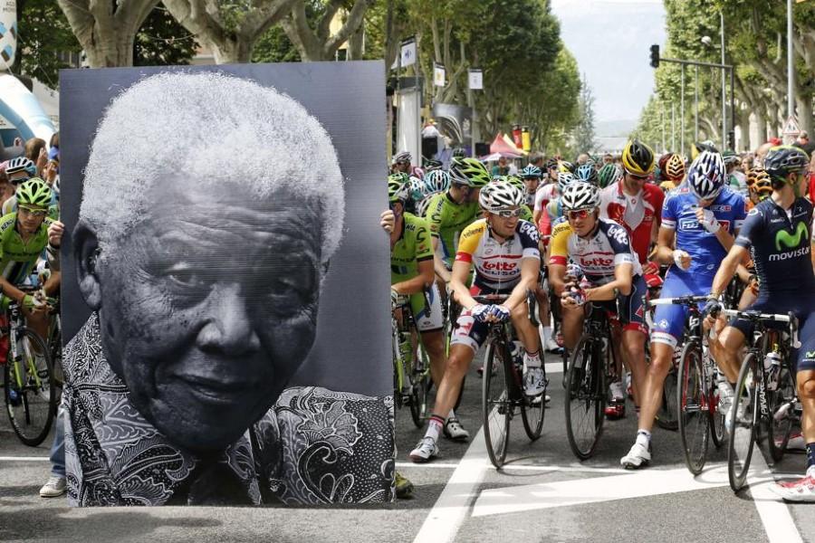 tour_de_france_2013_corse_hommage_95-ans_Mandela.h600