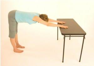 yoga mains sur tables