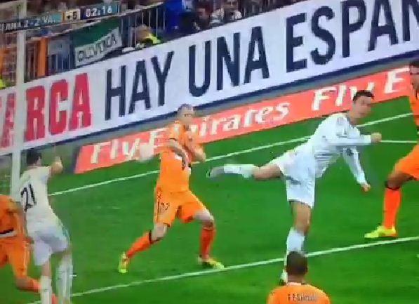 ronaldo talonnade contre Valence
