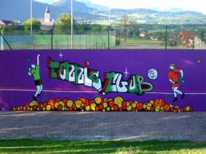 Faire du mur pour progresser au tennis