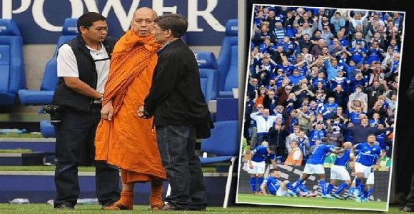 Le club de Leicester béni par des moines bouddhistes