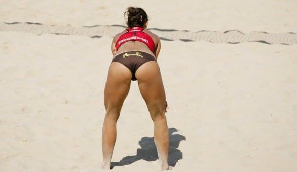 Le sport à la plage c'est parfois très sexy !