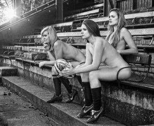 zoom-calendrier-2014-equipe-rugby-feminine-d-oxford (1)