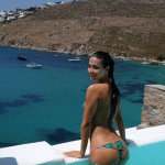 Laura Barriales piscine bikini