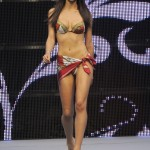 Laura Barriales défilé sexy