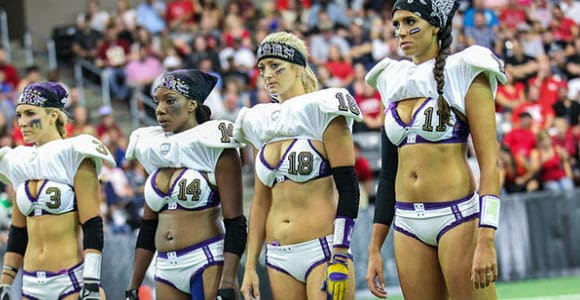Un sport sexy : la « Legends Football League » !
