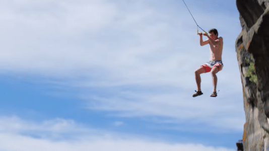 rope-swing-rope-jumping-saut-extreme-vive-le-sport